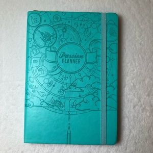 Passion Planner Teal UNDATED Compact approx 8x6